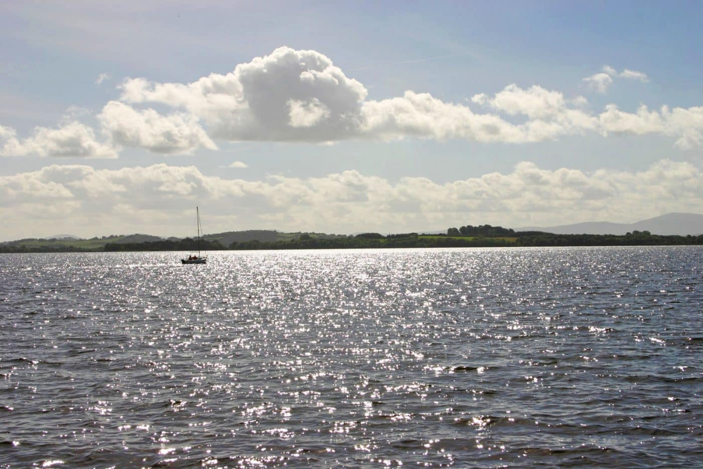 Ireland's mystical lake scenery - houseboat tour on Lough Derg