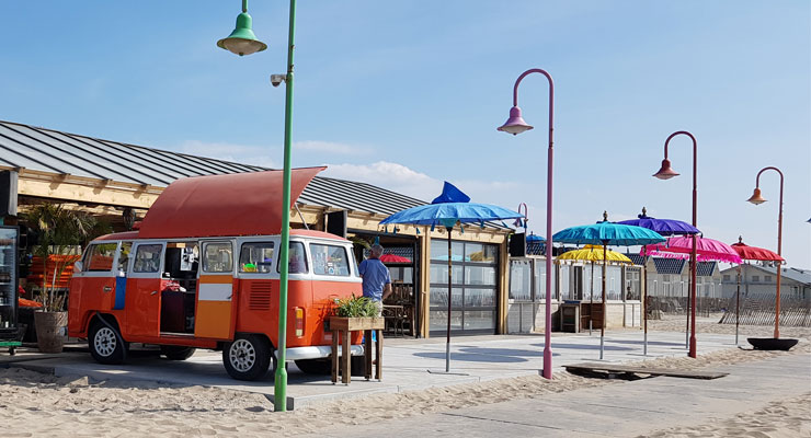 Beachbar in Katwijk - Hausbooturlaub Holland Locaboat