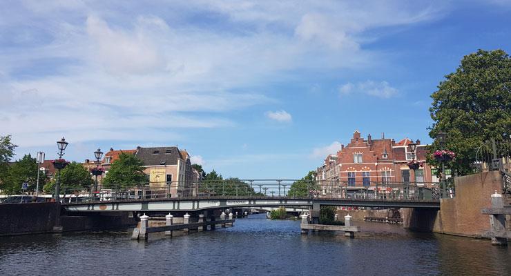 Hausbooturlaub in Leiden in Holland