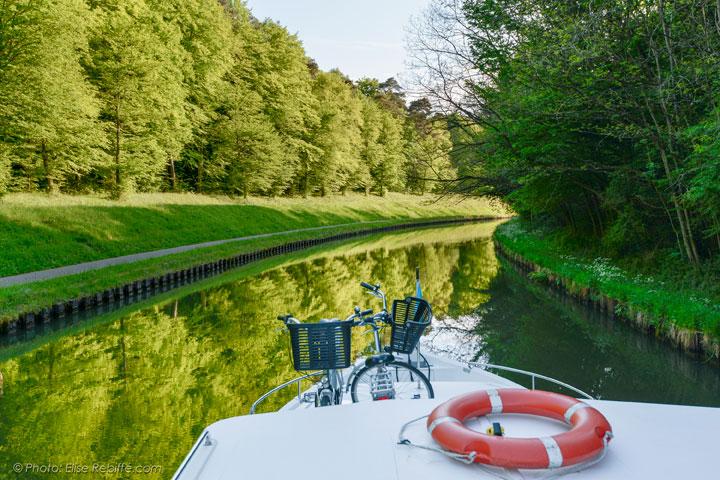 Location de bateau sur le canal de la marne au rhin