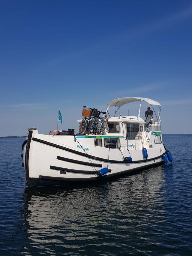 Welcher Führerschein fürs Hausboot fahren?