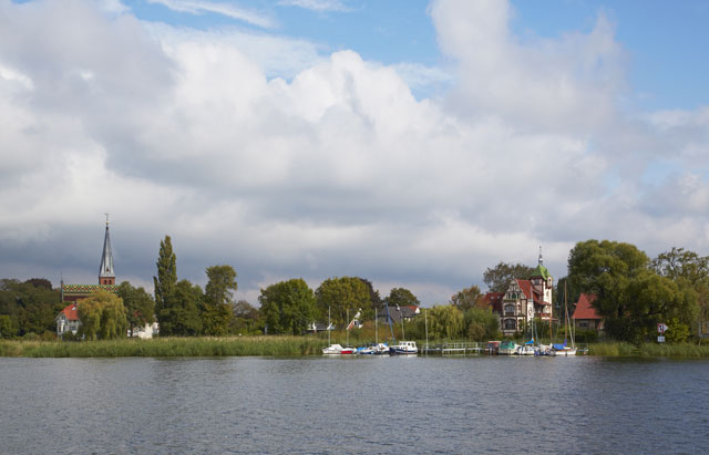 Hausbooturlaub in Mirow: Liebesinsel und Badespaß