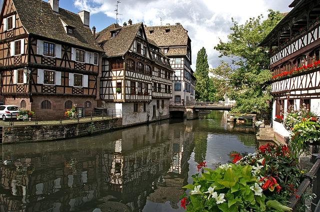 Hinein in die Europastadt! Mit dem Hausboot Straßburg erkunden