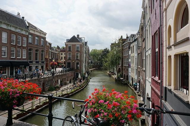 Perfektes Reiseziel für einen Kurztrip gesucht? Mit Hausboot nach Utrecht