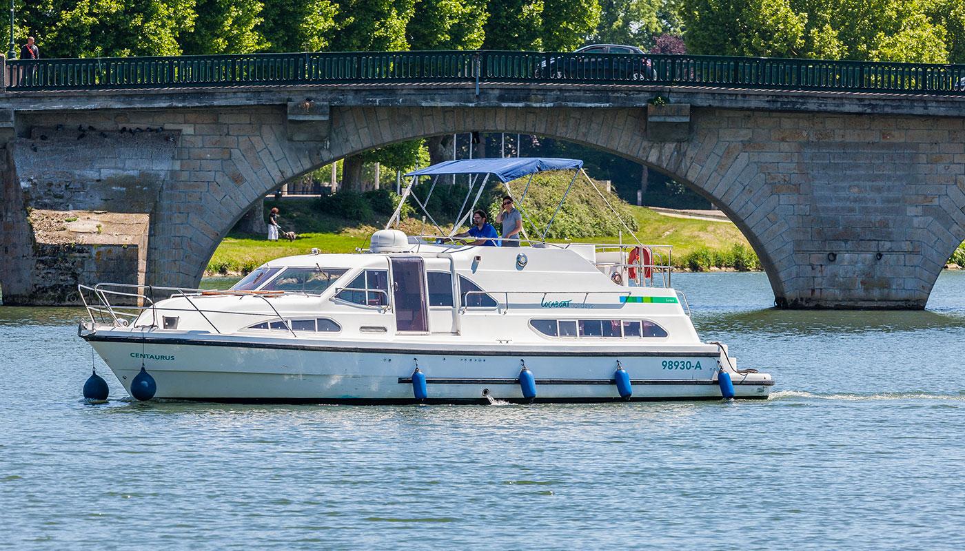 Location bateau europa 400 pour navigation fluviale locaboat for Lavabo exterieur