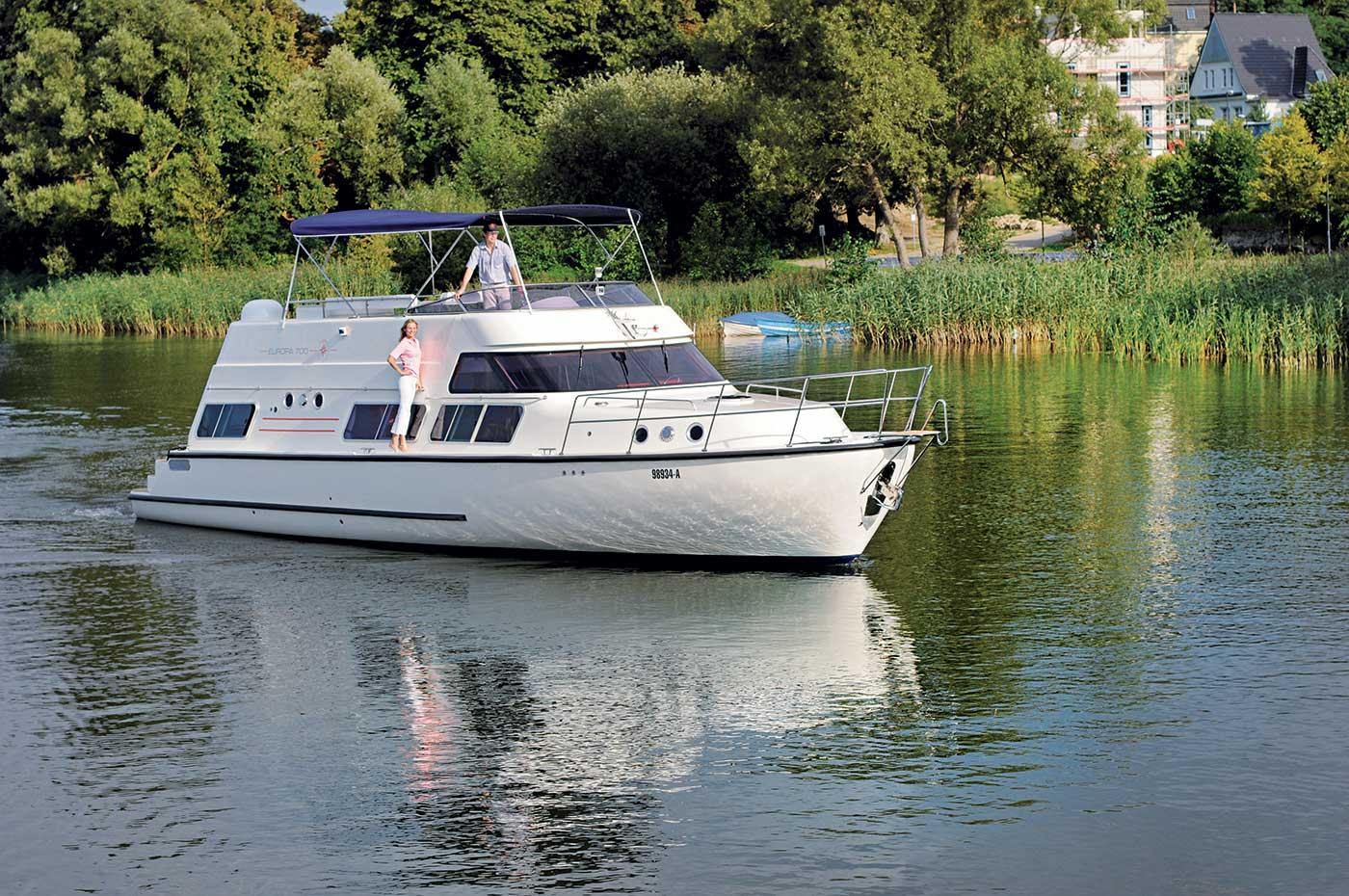 location bateau europa 700 pour navigation fluviale locaboat. Black Bedroom Furniture Sets. Home Design Ideas
