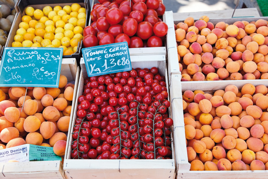 Etale de fruits sur un marché