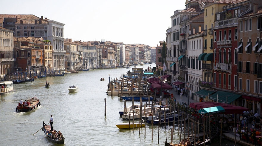For Valentine's day, take a cruise to Venice!