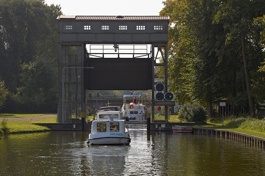Locaboat at 40:  A snapshot of a lock keeper to show you another side of the story
