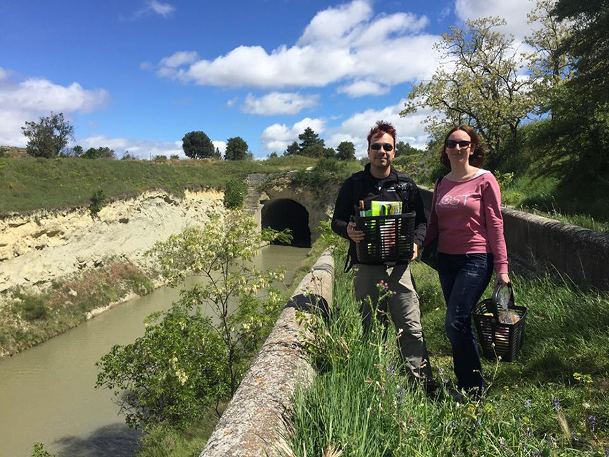 Mystery on the waterways: Amandine and François, authors of the blog 'Un sac sur le dos'