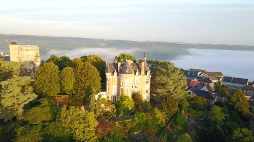 Sancerre sur le Canal Latéral à la Loire vu depuis les airs