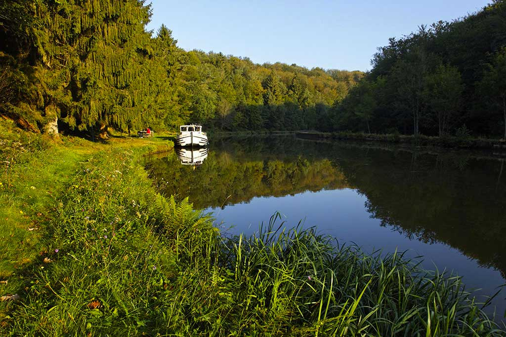 French Canal Boating Holidays In Alsace Ardennes Locaboat