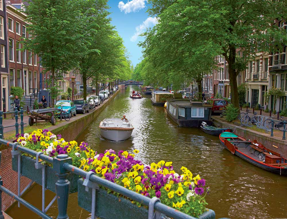 holland canals amsterdam