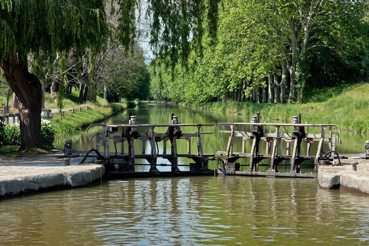 Conseils et itinéraires pour naviguer sur le canal du Midi